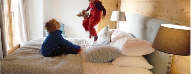 [Chalet Galbert – 2 à 10 personnes]Vaujany Ski Chalets_Chalet Galbert, Super King Bedroom 2