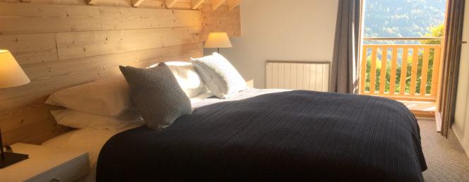 [Chalet des cousins]Vaujany Ski Chalets, Chalet des Cousins, super king bedroom 2