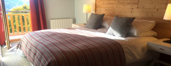 [Chalet des cousins]Vaujany Ski Chalets, Chalet des Cousins, super king bedroom
