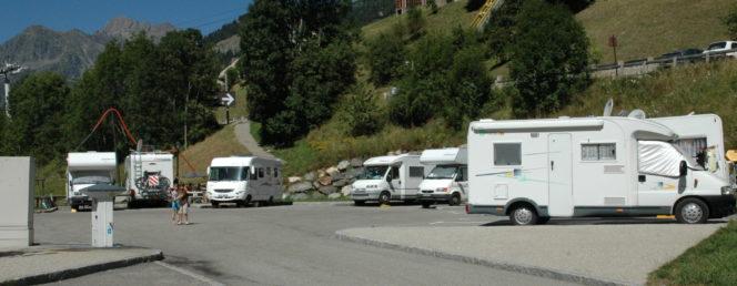 [Accueil / Aire de Camping-Cars]Aire Camping-Car_Vaujany_Eté_09