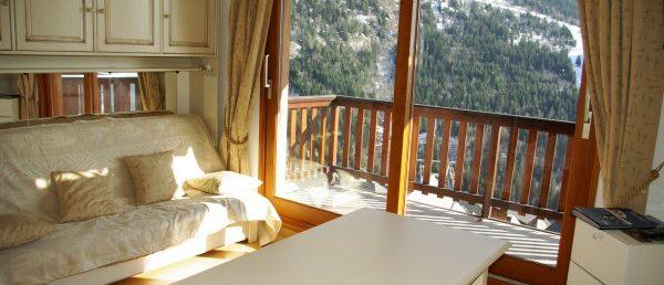 [Bel appartement avec balcon plein sud et vue sur la vallée – Vaujany]